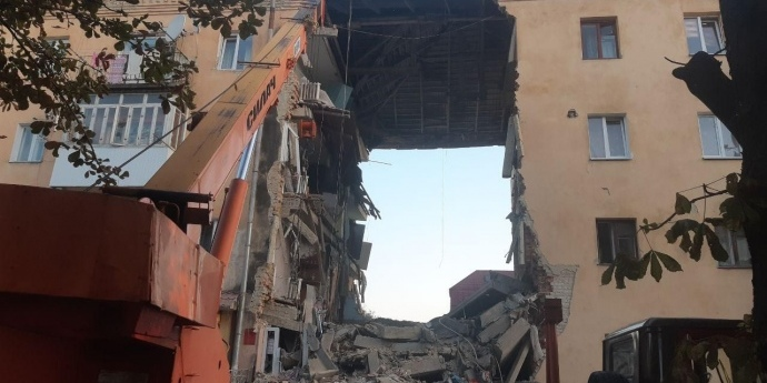 У Дрогобичі через вибух газу у будинку щонайменше двоє осіб загинули (фото, відео)