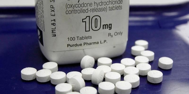 Опіоїдний скандал в США: понад 400 тис. осіб померли від передозування