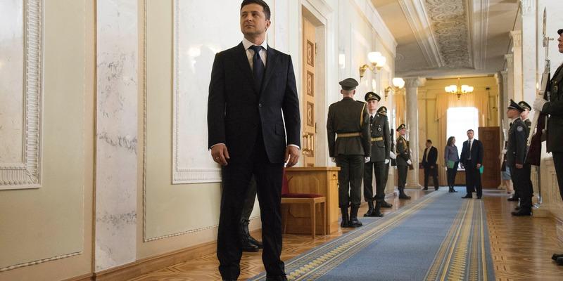 Зеленський пропонує Раді зменшити кількість нардепів до 300