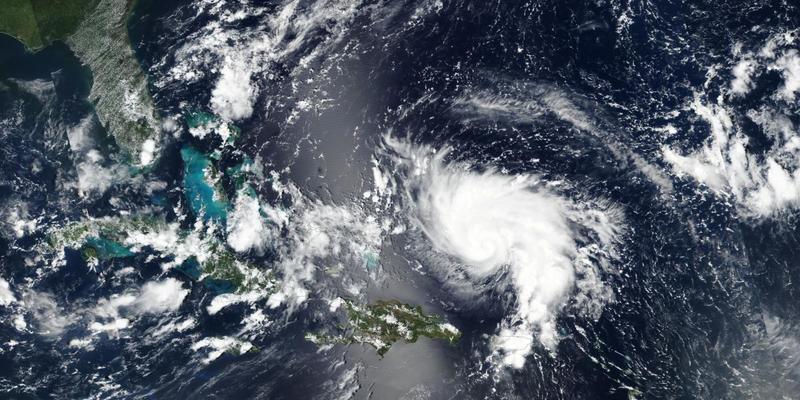 Ураган «Доріан» наближається до США: у трьох штатах оголосили евакуацію (фото)