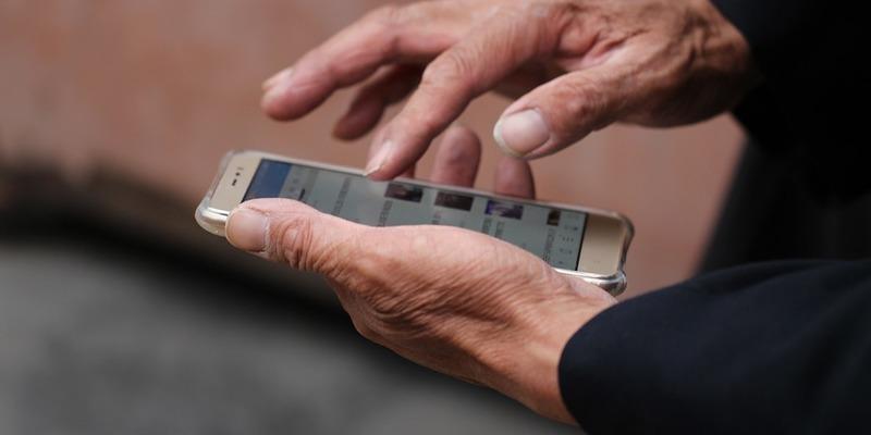 Депутати пропонують продавати sim-картки за паспортами