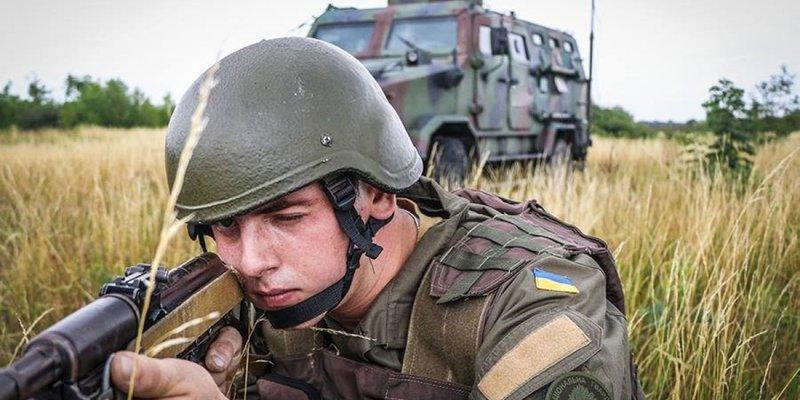 ООС: 9 обстрілів, один військовий поранений