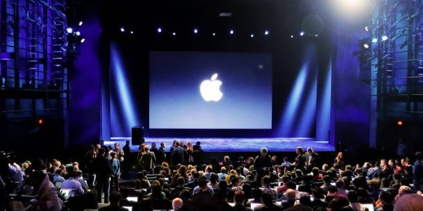 Корпорація Apple презентувала нові смартфони, планшети і годинники