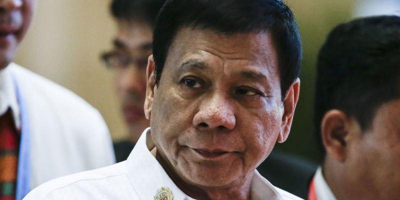 Президент Філіппін дозволив стріляти у чиновників-корупціонерів