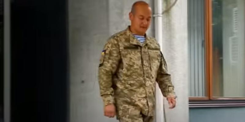 Чиновник ОДА вирішив перевірити ставлення маршрутників до військових та переодягнувся у форму (відео)