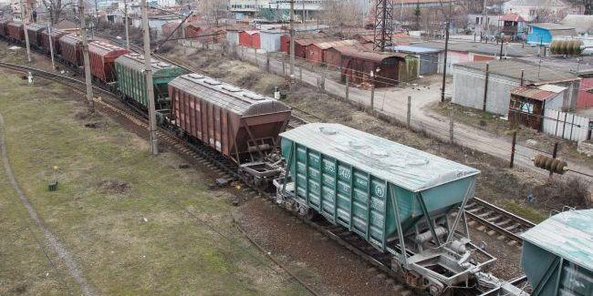 У Львівській області невідомі перекрили залізницю