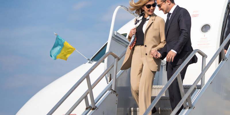 Олена Зеленська підкорює Америку стильними образами в світлих тонах (фото)