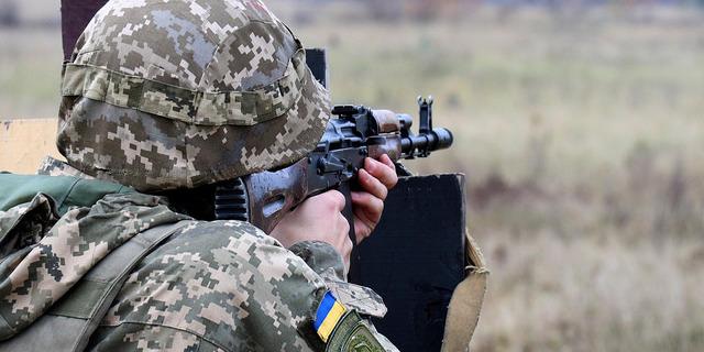 ООС: 23 обстріли, одного військового поранено
