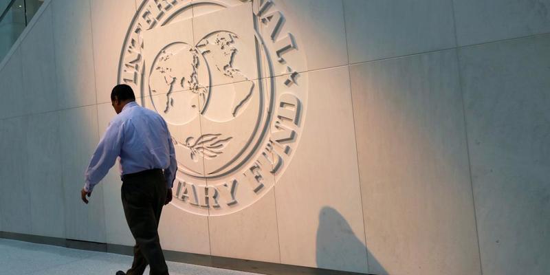 Україна обговорює з МВФ нову трирічну програму - Гончарук