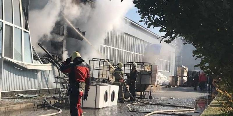 У Сумах стався вибух на заводі: є постраждалі (фото)