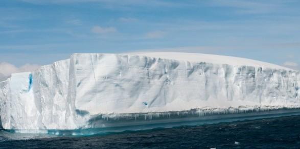 Від Антарктиди відколовся айсберг вагою 315 млрд тонн