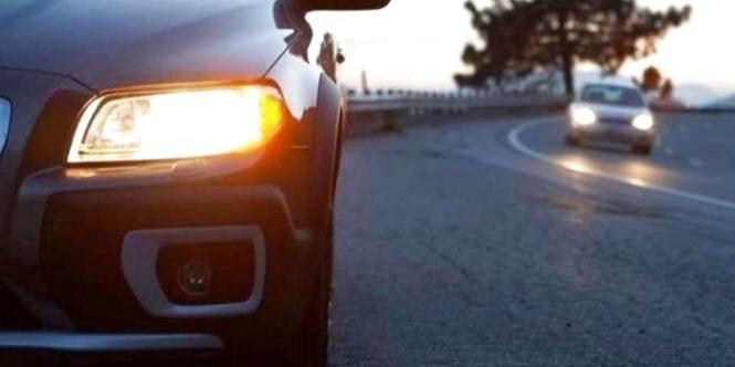 Від сьогодні водії зобов'язані вмикати ближнє світло фар на заміських дорогах