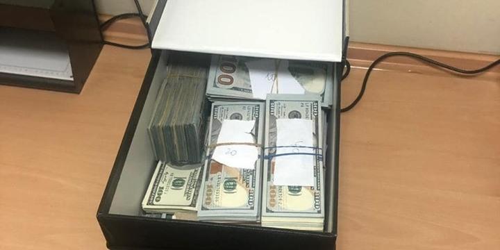У затриманого лікаря-трасплантолога Інституту Шалімова з банківської скриньки вилучили 840 тис. дол
