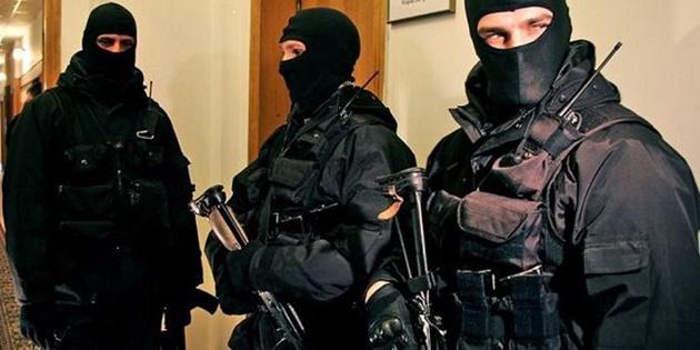 Держбюро розслідувань проводить 40 обшуків на Львівській митниці ДФС
