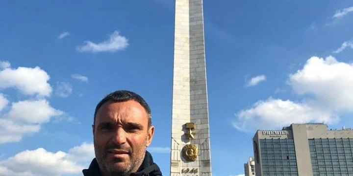 Луганський сепаратист приїхав до Києва та хоче «боротися з нацистами»