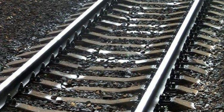 На Львівщині робітник не втримався на сходах потяга під час руху та впав під колеса
