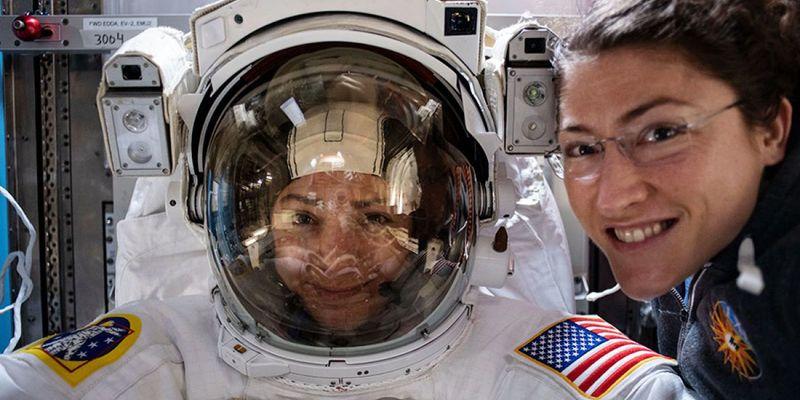 18 жовтня стало історичним для космонавтики днем
