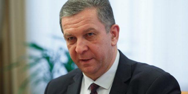 «Конфлікт триватиме вічно»: Рева прояснив долю пенсій для ОРДЛО