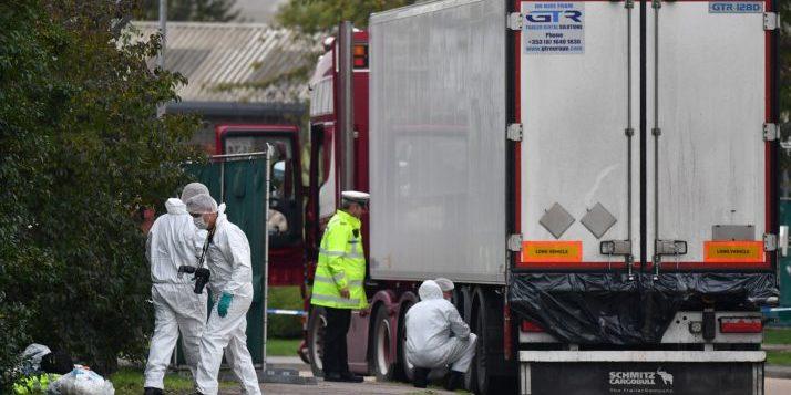 У вантажівці знайшли 39 тіл, водія заарештували
