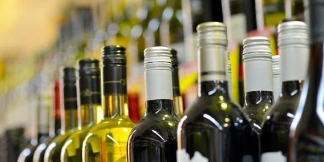Кабмін: половина ринку алкоголю в Україні — у «тіні», а держава недоотримує до 10 млрд грн