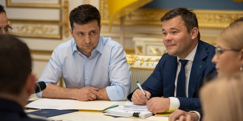Андрій Богдан відверто розповів, що Зеленський втомився від негативу і дуже змучився