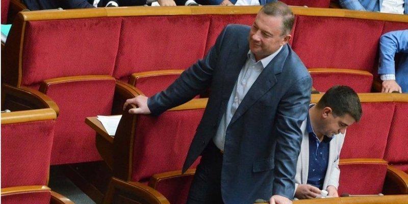 Все-таки є. Голосування за арешт Дубневича показало розкол у Слузі народу