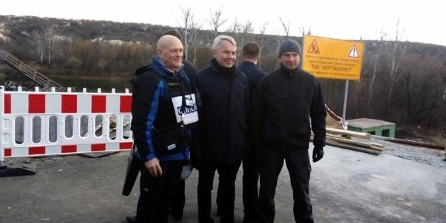 Глава МЗС Фінляндії відвідав ділянку розведення сил у Станиці Луганській