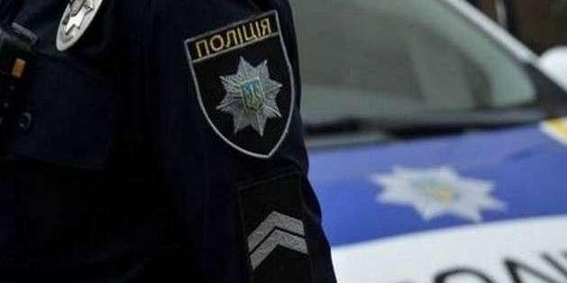 У Києві мотоцикліст жбурнув вибухівку на дах авто: є жертви і потерпілі (фото, відео)
