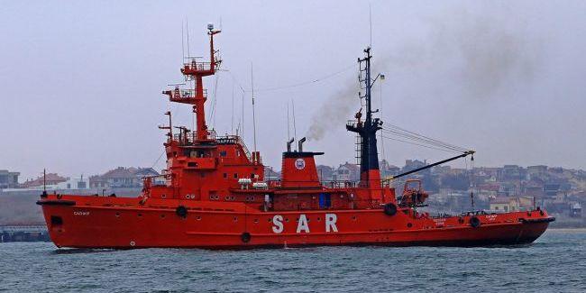 Україна відправила буксири за захопленими Росією кораблями