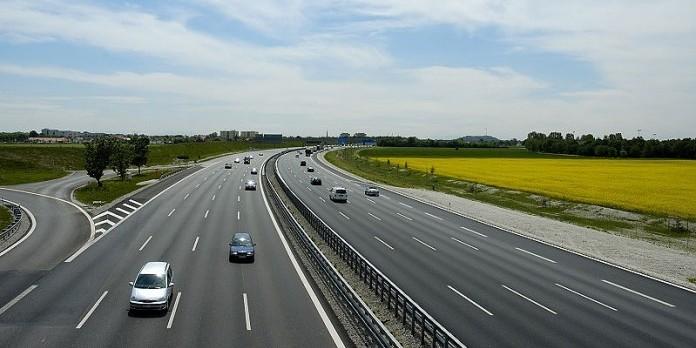 Перші платні дороги в Україні з'являться щонайменше за 3-4 роки, - голова Укравтодору