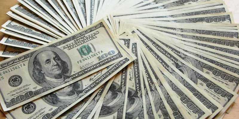 Курс долара в Україні оновив трирічний мінімум