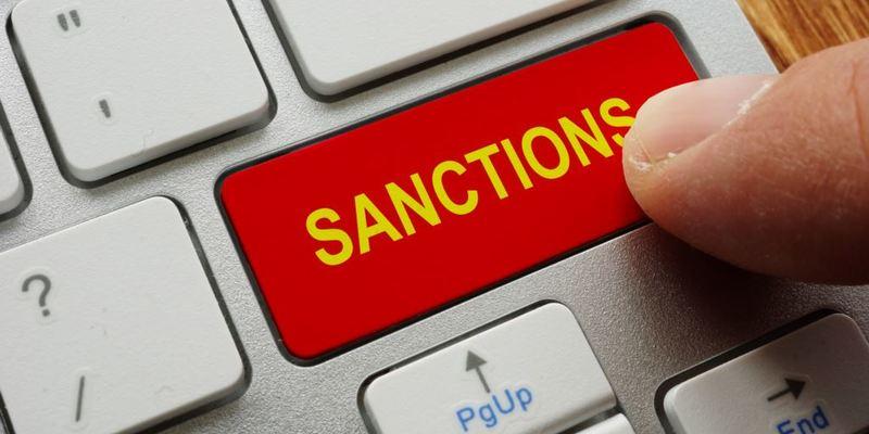 Уряд повідомив про запровадження санкцій «проти вандалів та пропагандистів» у Криму