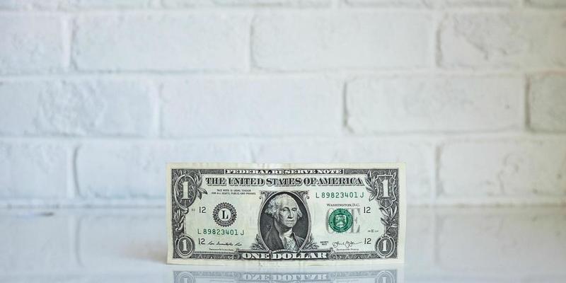 Як зміниться курс долара до Нового року
