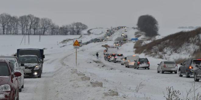 Поліція закликає водіїв бути обережними на дорогах
