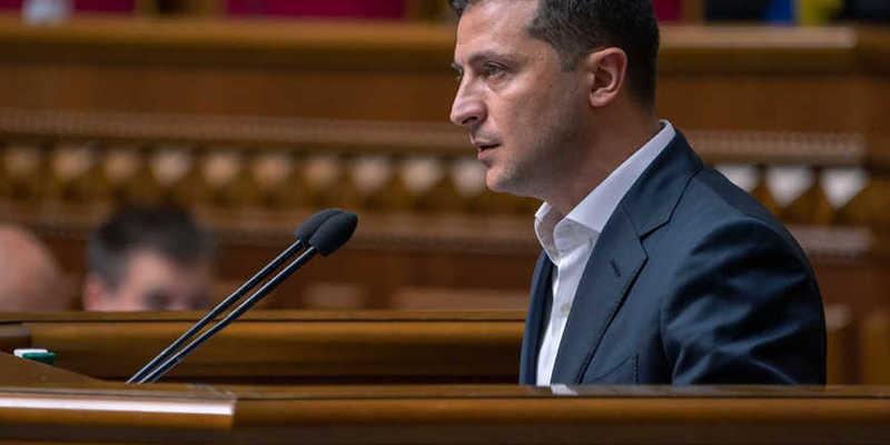 Зеленський закликав заробітчан повернутися в Україну на вигідних умовах