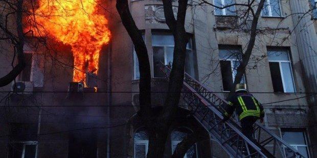 Пожежа в Одесі: перелякані діти дзвонили батькам, щоб попрощатися (фото, відео)