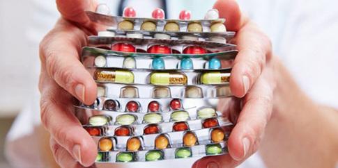Правоохоронці викрили фармацевтичні компанії, які підкупили лікарів для просування своїх лікарських засобів