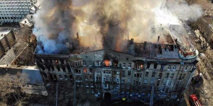 В Одесі на згарищі коледжу існує загроза обвалення