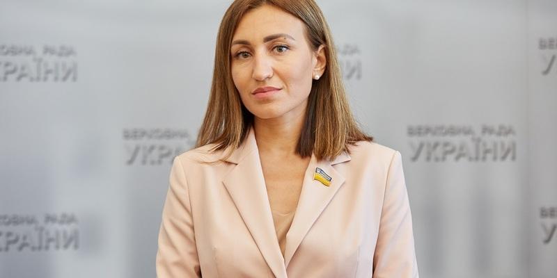 Плачкова: Потрібно спочатку провести всеукраїнський референдум, а потім обговорювати ринок землі