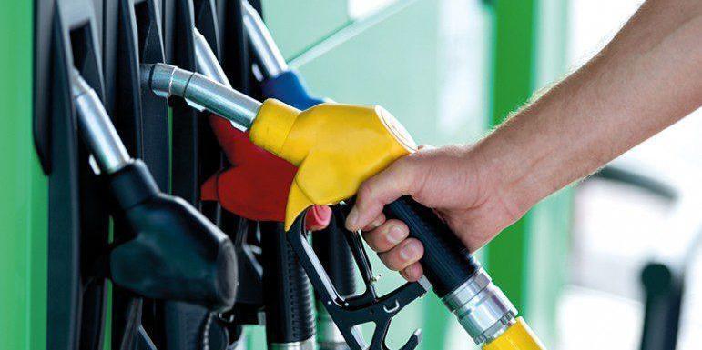 Великі мережі продовжують знижувати ціни на паливо