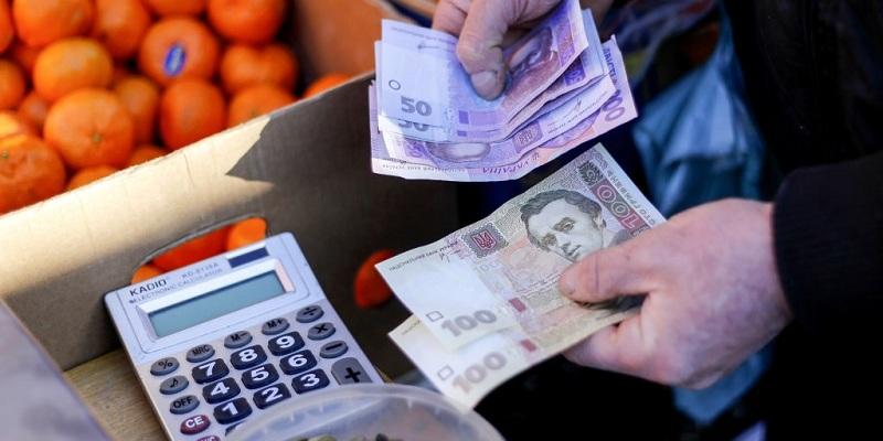 Мінекономіки хоче розібратися, чому гривня зміцнюється, а ціни не падають