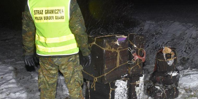 На кордоні України з Польщею виявили найбільшу за рік контрабанду бурштину