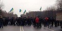 Аграрії 17 грудня вийдуть на головні автомагістралі у восьми областях України на знак протесту проти земельної реформи