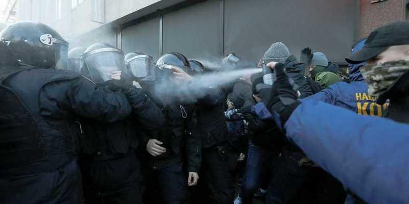 Під час протестів під Радою затримано більше 20 осіб