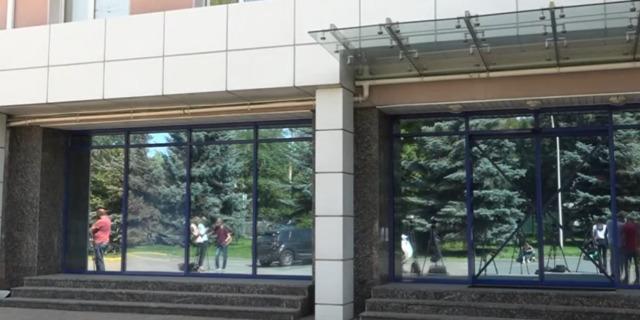 У київському фітнес-клубі, який пов'язують з Порошенком, знайшли приховані відеокамери — ДБР