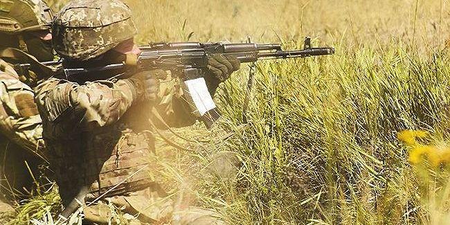 Пораненого військовослужбовця доправили до шпиталю