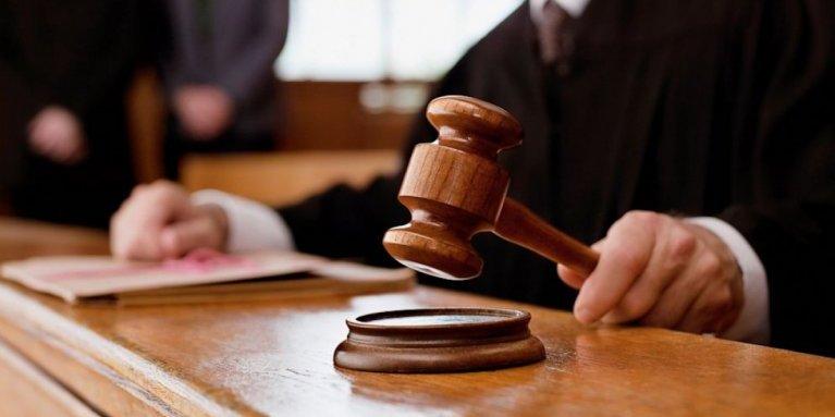 На Львівщині чоловік відсудив у знайомого 110 тис. грн за поранення шампуром у живіт