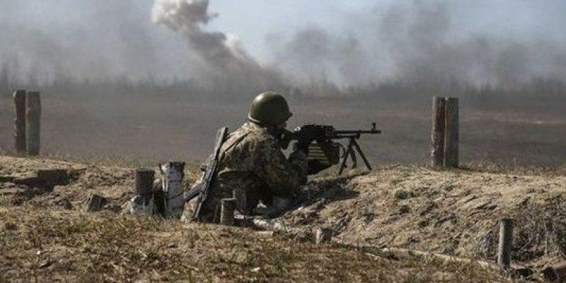 Унаслідок обстрілів бойовиків на Донбасі поранено двох військових — штаб