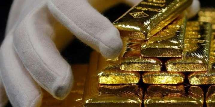 Золото дорожчає через посилення конфлікту між США та Іраном