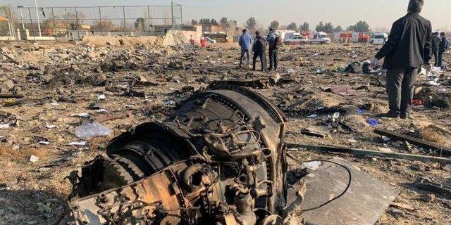 Прямі докази: Україна знайшла пробоїни від ракети на уламках літака МАУ